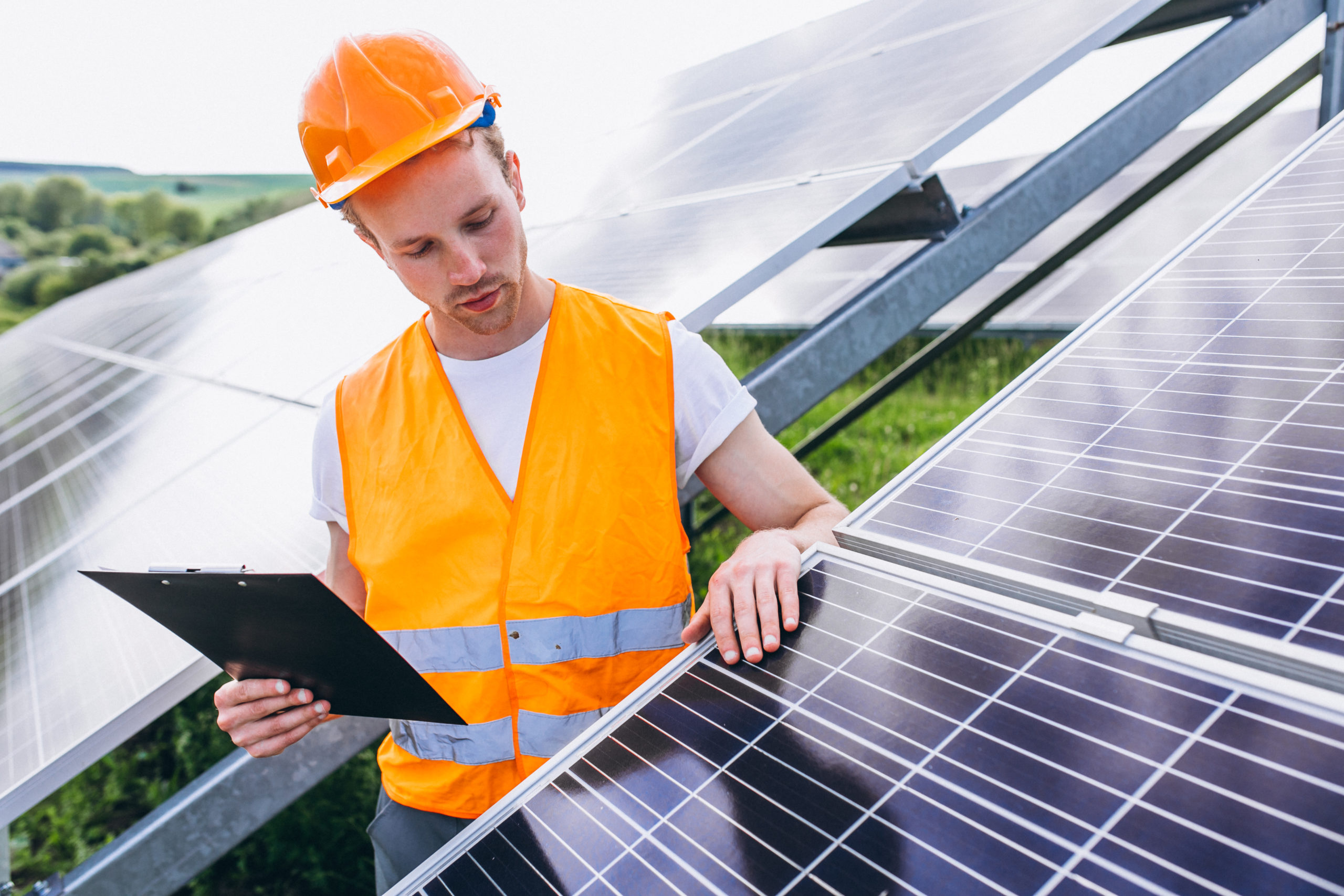 Especialista esclarece 5 principais mitos sobre energia solar
