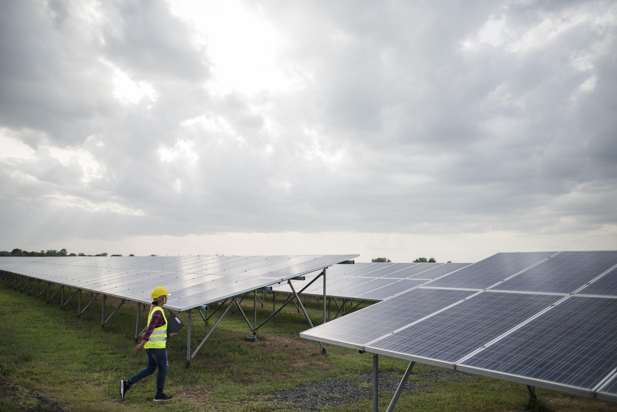 Entenda como funcionam as fazendas solares